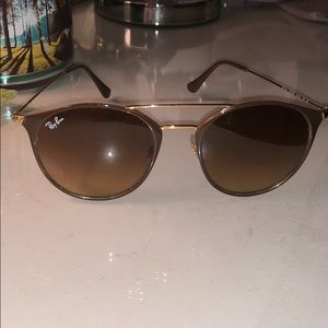 Ray-Ban gold frame glasses. GREAT CONDITION